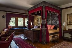 "The ""Glenridge Hall"" Tudor-Style Oak Tester Bed : Lot 433"