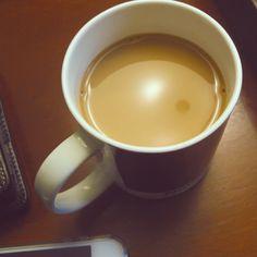 Joskus tuntuu siltä, että suomalaisilla tärkein aivotoimintaa kiihdyttävä välittäjäaine ei suinkaan ole glysiini vaan kahvi.