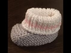 Great Pics baby booties images Popular I have right now maintained to setup your crochet website plus comprehend it to take a look precisely how I need to tha Crochet Baby Dress Pattern, Knit Baby Dress, Crochet Bebe, Crochet Baby Booties, Crochet Slippers, Brick Stitch Earrings, Crochet Magazine, Baby Online, Easy Knitting