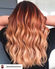 10 Brilliant Christmas Hair Color Ideas for 2019 - - It's the most wonderful time of the year! Get into the Christmas spirit with these 10 fabulous shades of Christmas hair color! Red Blonde Hair, Red Ombre Hair, Ombre Hair Color, Hair Color Balayage, Cool Hair Color, Strawberry Blonde Hair Color, Red Hair With Balayage, Winter Hair Colors, Copper Blonde Balayage