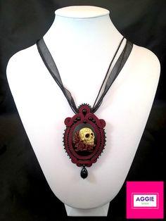 """Gotycki wisior Krwawe roże. Gothic soutache pendant """"Bloody roses"""""""