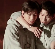 special Leobin moment during the encore stage (。♥‿♥。) (4/4)