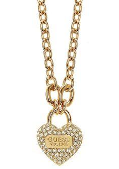 Guess Halskette, »TRUE LOVE, UBN21581«. Romantisch und dennoch schlicht! Traumhaft schön präsentiert sich die Kombination aus goldfarben vergoldetem Messing und funkelnden Swarovski-Kristallen. Der hübsche und formschön designte Behang »Schloss in Herzform« hat eine Breite von ca. 22 mm und Länge von ca. 2,7 cm. Die Ankerkette mit Karabiner hat eine Länge von ca. 45 cm und kann mittels des ca. ...