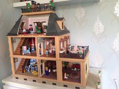Victorian Playmobil Mansion 5300 With Furniture And Figures