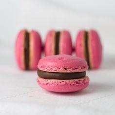 Objetivo: Cupcake Perfecto. Macarons de frambuesa rellenos de chocolate (Recipe/ Receta).
