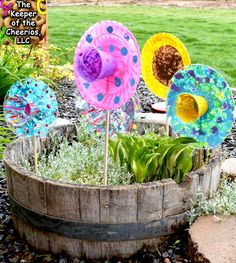 Plastic Plate Flowers & Plastic Plate Flowers | Plastic plates Flower and Acrylic paint brushes