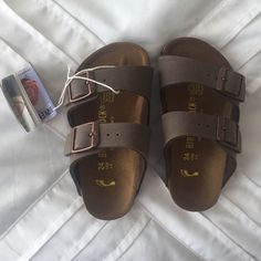 Birkenstock in Mocha - Size 6 Toddler (Girls) Brand New. Never used. Free People Shoes Slippers