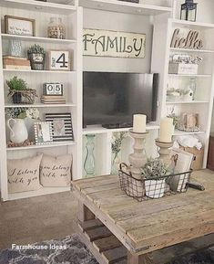 36 Charming Farmhouse Living Room Decoration Ideas For Home There is nothing quite as warm and welcoming as an old farmhouse. This style of decorating practically begs friends and … - Adorable 36 Charming Farmhouse Living Room Decoration Ideas For Home. My Living Room, Home And Living, Small Living, Modern Living, Minimalist Living, Living Spaces, Diy Home Decor Rustic, Country Decor, Country Style Decorating