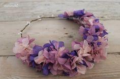 Corona de flores preservadas para el pelo PUENTEDEY en colores lila, malva  y rosa para boda by malonsilla