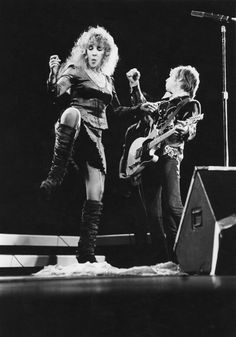 "Stevie Nicks & Tom Petty ""Stop Draggin My Heart Around"" 1981"
