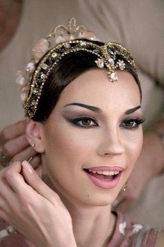 How to Choose Ballet Shoes Ballet Makeup, Dance Makeup, Stage Makeup Dancer, Headdress, Headpiece, Fascinator, Sleeping Beauty Ballet, Competition Makeup, La Bayadere