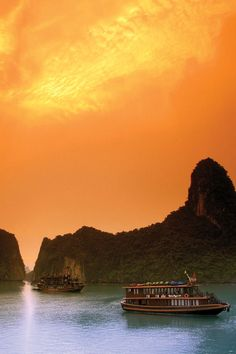End your discovery of Vietnam's whirling cities and traditional cuisines with an overnight stay on the sterling waters of Halong Bay on our Treasures of Vietnam tour.