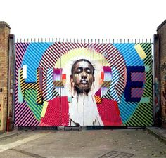 Conor Harrington is an Irish artist known for his work fusing street art motifs with realist painting - a fine line between classic and modern art. Murals Street Art, Street Art Graffiti, Best Street Art, Mural Wall Art, Marvel Art, Street Artists, Graffiti Artists, Outdoor Art, Public Art