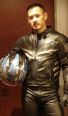 Just a series of pictures of Asian guys in leather and tight swimwear. Mens Leather Pants, Motorcycle Leather, Biker Leather, Black Leather, Motorbike Leathers, Padded Jacket, Leather Fashion, Black Men, Hot Guys