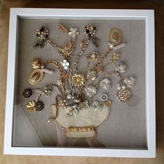 Shadow box display of vintage jewelry I love this Deb.thanks for pinning it - Shadow box display of vintage jewelry I love this Deb…thanks for pinning it - Costume Jewelry Crafts, Vintage Jewelry Crafts, Vintage Costume Jewelry, Vintage Costumes, Vintage Jewellery, Antique Jewelry, Recycled Jewelry, Jewelry Frames, Jewelry Tree