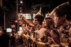 """na """"segunda-feira branca"""" o poder das redes sociais foi finalmente visto ao vivo nas nossas ruas, com gente que saiu da frente do computador pra pedir, em paz, um novo Brasil."""