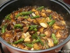 Do you want to learn how to make Veg Manchurian ? Times Food gives complete Veg Manchurian Recipe including Prep Time, Cook Time and required ingredients. Veg Recipes Of India, Asian Recipes, Healthy Recipes, Ethnic Recipes, Hawaiian Recipes, Easy Cooking, Cooking Recipes, Sauce Recipes, Korean Side Dishes