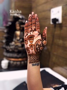 Here are stylish and latest Front Hand Mehndi Designs, Choose the best. Khafif Mehndi Design, Basic Mehndi Designs, Stylish Mehndi Designs, Mehndi Designs 2018, Mehndi Designs For Beginners, Mehndi Designs For Girls, Mehndi Design Photos, Wedding Mehndi Designs, Dulhan Mehndi Designs