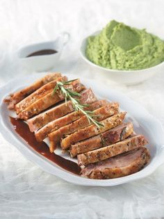 Σπάλα χοιρινή στο φούρνο με μουστάρδα - www.olivemagazine.gr Gf Recipes, Greek Recipes, Waffles, Pork, Beef, Cooking, Breakfast, Kale Stir Fry, Meat
