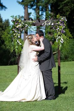 Mr. and Mrs. Cola's first kiss #wedding
