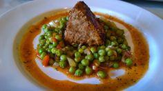Mușchiuleț de porc la tigaie cu garnitura de mazăre Steak, Beef, Pork, Meat, Steaks