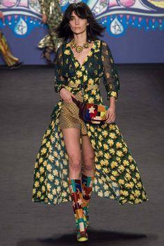 Anna Sui Pret A Porter S/S 2015 Pasarela Nueva York