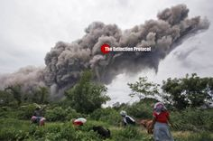 Indonesian volcano set to blow but thousands of villagers refuse to flee