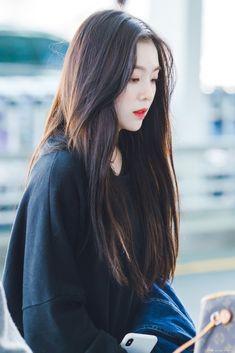 Irene - Incheon Airport heading to Japan ©box Seulgi, Korean Beauty, Asian Beauty, Korean Girl, Asian Girl, Red Velvet Irene, Beautiful Gorgeous, Swagg, Dyed Hair