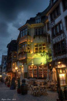 sidewalk cafe, Paris