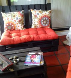 Recycle pallets.... Patio furniture...