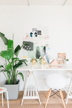 Home Office Design Ideas For Small Spaces Bright White Office Home Office Design, Home Office Decor, Home Decor, Office Desk, Wabi Sabi, Style Me Pretty Living, Workspace Inspiration, Zara Home, Feng Shui