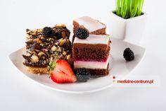 kompozycja ciast, ciasto czekoladowe z truskawką, chocolate cake, surprise cake