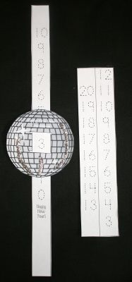 Classroom Freebies: Happy New Year Countdown Glitter Ball New Year's Eve Activities, Kindergarten Activities, Preschool Activities, Subtraction Activities, Holiday Activities, Motor Activities, Happy New Year Countdown, Countdown Clock, Happy Year
