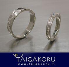 KVS94 Sormukset, vihkisormukset, kihlasormukset, valkokulta, timantti, routa. White gold, wedding rings, diamond. www.taigakoru.fi