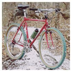 Motor Bike Aesthetic 33 New Ideas Mountain Biking Women, Best Mountain Bikes, New Electric Bike, Bicycle Paint Job, Vertical Bike, Mountain Bike Helmets, Vintage Bikes, Retro Bikes, Retro Vintage