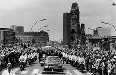 """Photo Gallery: Kennedy's Visit to Berlin and """"Ich bin ein Berliner"""" speech June 26, 1963 - from Spiegel Online"""
