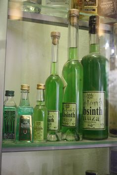 Absinth: shades of green
