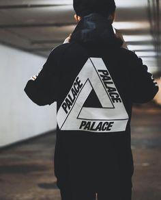 "5,465 Me gusta, 16 comentarios - Blvck✖️Culture (@blvckxculture) en Instagram: ""Palace Palace Palace  #BlvckxCulture  @goldguk"""