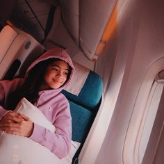 Ranz Kyle, Siblings Goals, Youtube Stars, Aesthetic Iphone Wallpaper, Cartoon Wallpaper, Bangkok Thailand, My Favorite Things, Hana, Instagram