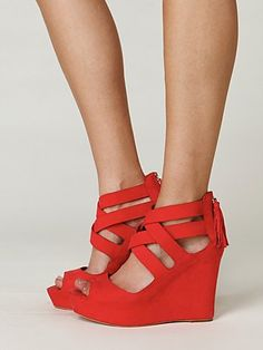 DONT LIKE WEDGES...LOVE THESE!