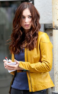 We're loving this ultra-rich, mahogany-toned brunette shade on Megan Fox! The mahogany tones complement her fair skin for a gorgeous, flattering effect.