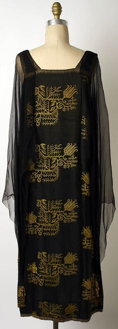 Evening dress Liberty & Co.  (British, founded London, 1875)   Date: 1923–27 Culture: British Medium: silk. #vintage #1920s