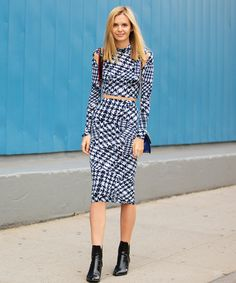 Street Style GIF Of The Day: Blues Clues #refinery29