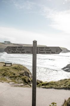 Are you planning a trip to Cornwall #England? This region in the south-west of the #UK is home to some of the most beautiful beaches in England. Cornwall surfing is a must when you're down here at #Fistral or Godreevy. Don't miss St.Ives, Falmouth, Padstow, Newquay or Kynance Cove and try and time a trip to St.Michael's Mount at low tide so you can walk across from Marazion. The #Cornwall aesthetic is a dreamy, salty one so prepare for amazing coastal walks and lots of ocean time… Cornwall Surfing, Falmouth Cornwall, England Beaches, Newquay, Cornwall England, St Ives, Summer Feeling, Most Beautiful Beaches, Cool Places To Visit