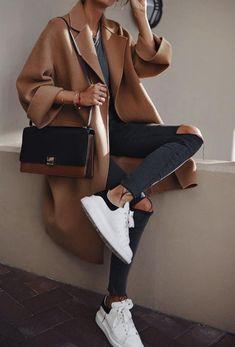 70 The Best Street Style Fashion Ideas of the Year - Clothing - .- 70 Die besten Streetstyle-Modeideen des Jahres – Kleidung – … – Brenda O. 70 the best street style fashion ideas of the year – clothing – … – # - Italian Street Style, Nyc Street Style, Rihanna Street Style, European Street Style, Looks Street Style, Cool Street Fashion, Looks Style, Casual Street Style, Sneakers Street Style