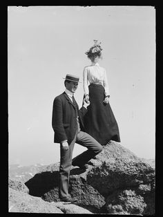 """onceuponatown: """" Young couple on rock holding hands, """" Vintage Pictures, Old Pictures, Vintage Images, Old Photos, Belle Epoque, Vintage Couples, Edwardian Era, Victorian Era, Young Couples"""