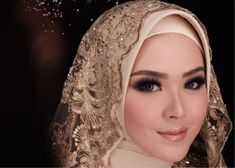 Here's how you can carry simple hijab styles with different makeups; best combos