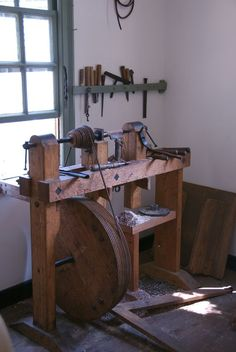 https://flic.kr/p/mkjFj | Gunsmith's Gunbarrel Lathe | Colonial Williamsburg: