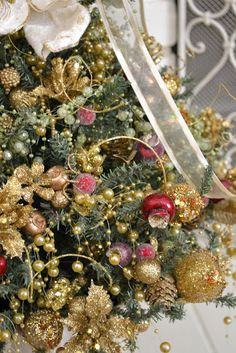 Jennelise: Around the Christmas Tree