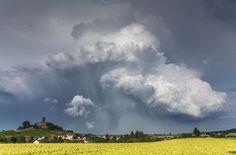 In Baden-Württemberg drohen heftige Unwetter. Foto: dpa